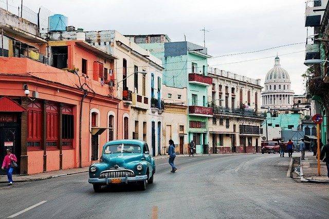 """קובה: קרינה גרמה ככל הנראה לחולים דיפלומטים בארה""""ב ובקנדה"""